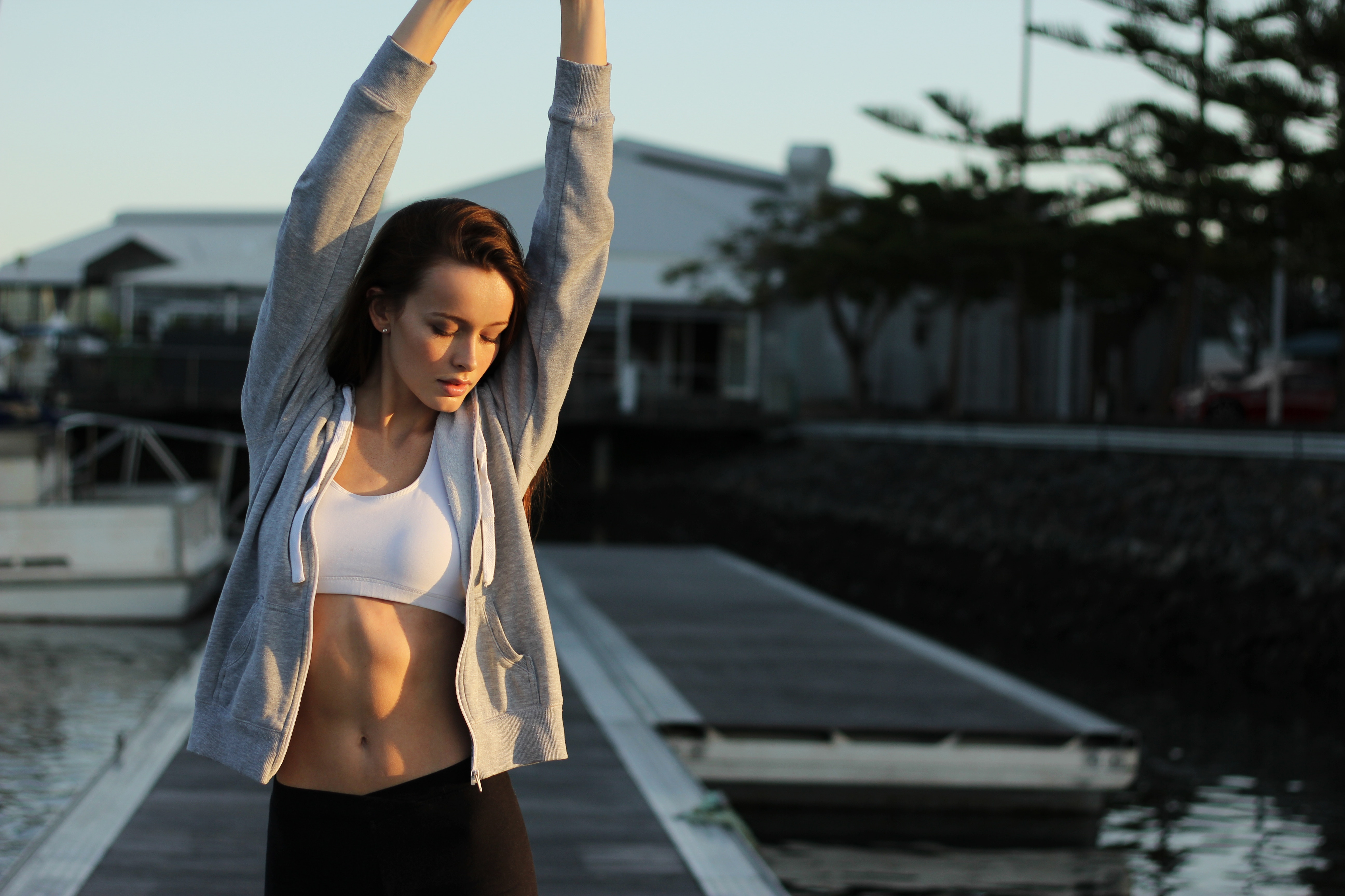 """Как да се справим с естрогенна доминантност според книгата на Джей Джей Смит """"Плосък корем без упражнения"""""""